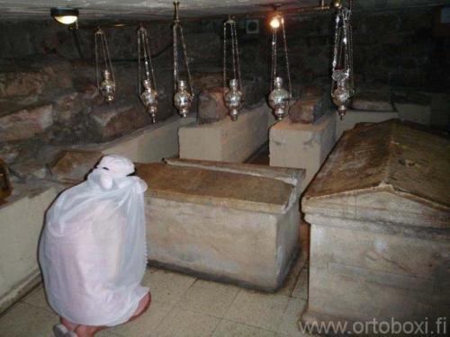 lasaruksen hautakirkko11