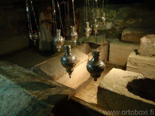 lasaruksen hautakirkko12