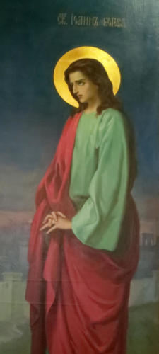 Apostoli Johannes ristin juurella